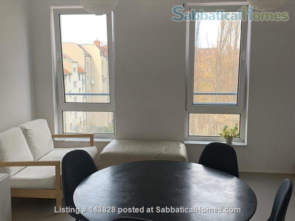 Great location in Kreuzberg, top floor, lots of light Home Rental in Berlin 3 - thumbnail
