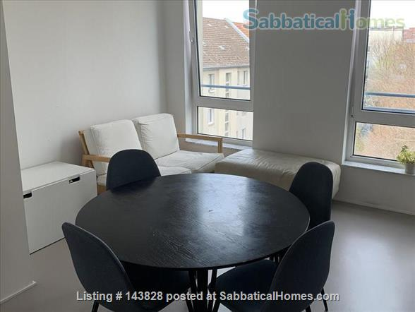 Great location in Kreuzberg, top floor, lots of light Home Rental in Berlin 4 - thumbnail
