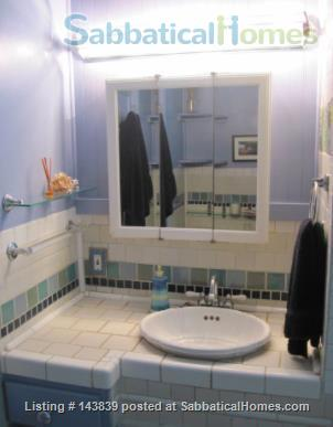 Cute + cozy furnished bungalow - the entire 1st floor is yours Home Rental in Chicago, Illinois, United States 7