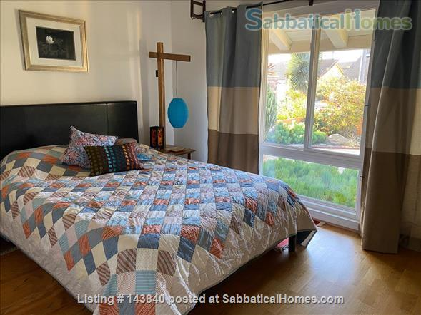 Sunny Huntington Beach midcentury close to beaches and downtown Home Rental in Huntington Beach, California, United States 9