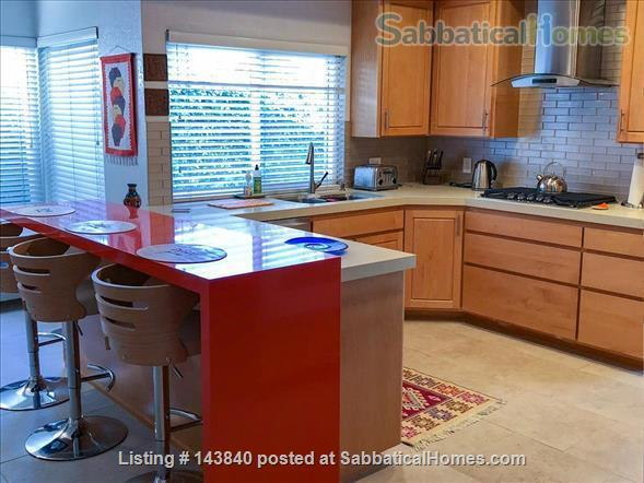 Sunny Huntington Beach midcentury close to beaches and downtown Home Rental in Huntington Beach, California, United States 3