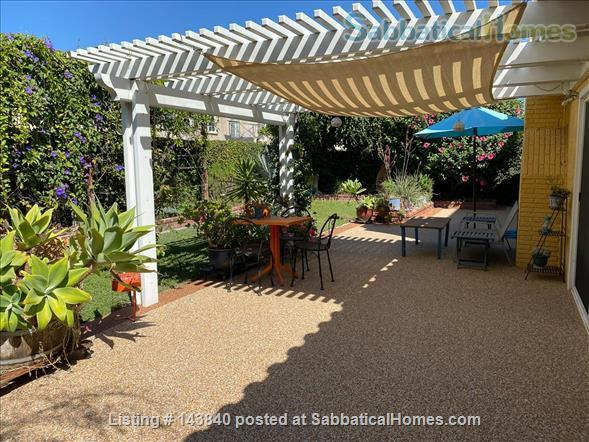 Sunny Huntington Beach midcentury close to beaches and downtown Home Rental in Huntington Beach, California, United States 5