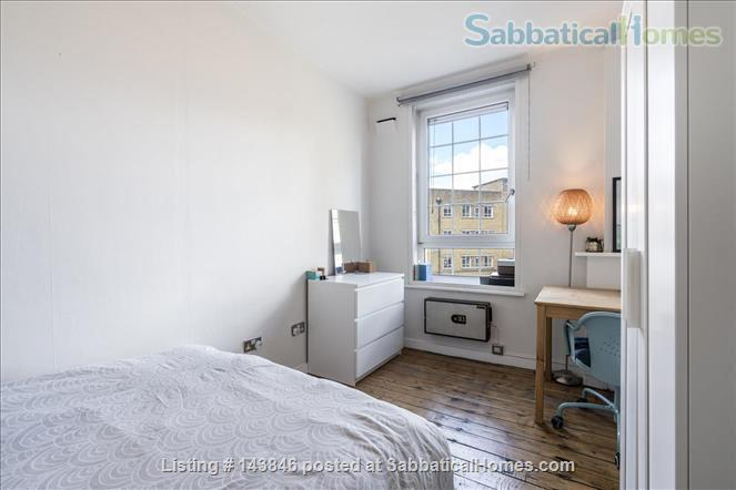 London calling!  Bright, spacious 2 bed character apartment in Docklands Home Rental in Greater London, England, United Kingdom 5