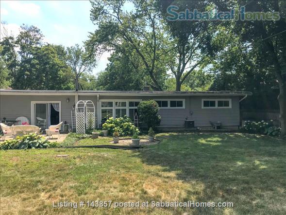 Quaint 3 bedroom ranch home in Wheaton, IL Home Rental in Wheaton, Illinois, United States 0