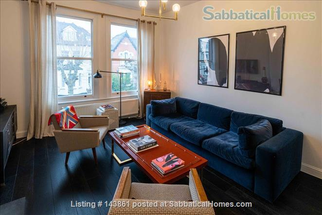 Charming and Unique, 3 Bedroom split level Maisonette with Roof Terrace  in North London 20 Minutes to Central London. All bills and Cleaning included. Home Rental in London, England, United Kingdom 1