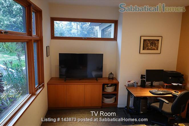 Modern Light-filled Remodeled Home  Home Rental in Berkeley, California, United States 8