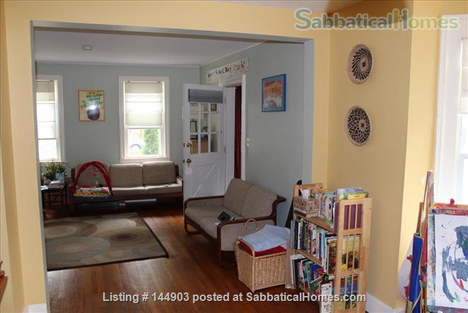 Fall Creek Home - walkable and inviting Home Rental in Ithaca, New York, United States 1