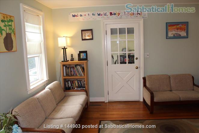 Fall Creek Home - walkable and inviting Home Rental in Ithaca, New York, United States 2
