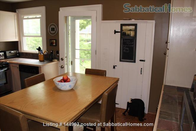 Fall Creek Home - walkable and inviting Home Rental in Ithaca, New York, United States 3