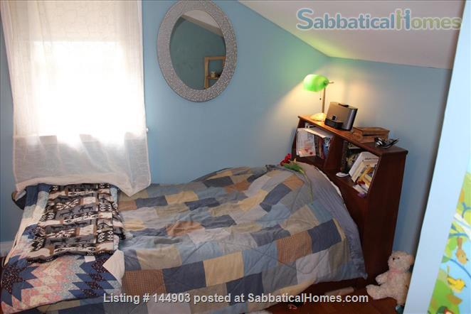 Fall Creek Home - walkable and inviting Home Rental in Ithaca, New York, United States 6