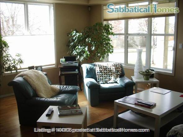 BEAUTIFUL 2BR/2BATHROOM RIVER VALLEY CONDO Home Rental in Edmonton, Alberta, Canada 0