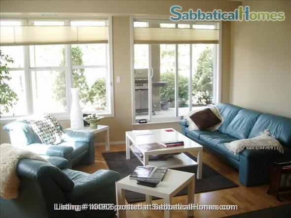 BEAUTIFUL 2BR/2BATHROOM RIVER VALLEY CONDO Home Rental in Edmonton, Alberta, Canada 2