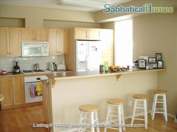 BEAUTIFUL 2BR/2BATHROOM RIVER VALLEY CONDO Home Rental in Edmonton, Alberta, Canada 3