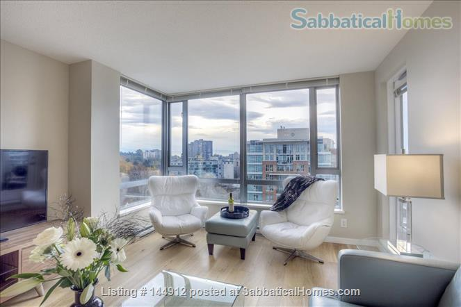 Urban Chic -Stunning 2br Oceanview Penthouse Downtown Victoria Home Rental in Victoria, British Columbia, Canada 0