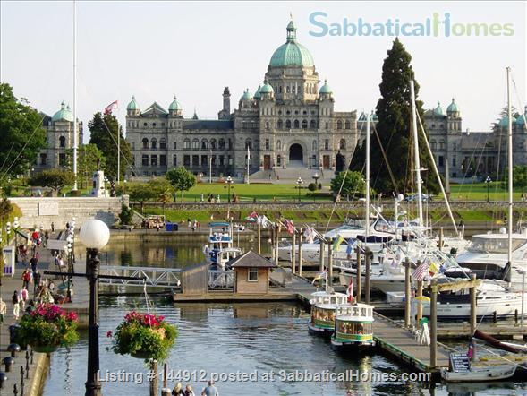 Urban Chic -Stunning 2br Oceanview Penthouse Downtown Victoria Home Rental in Victoria, British Columbia, Canada 6