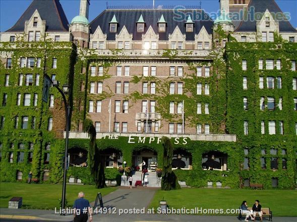 Urban Chic -Stunning 2br Oceanview Penthouse Downtown Victoria Home Rental in Victoria, British Columbia, Canada 7