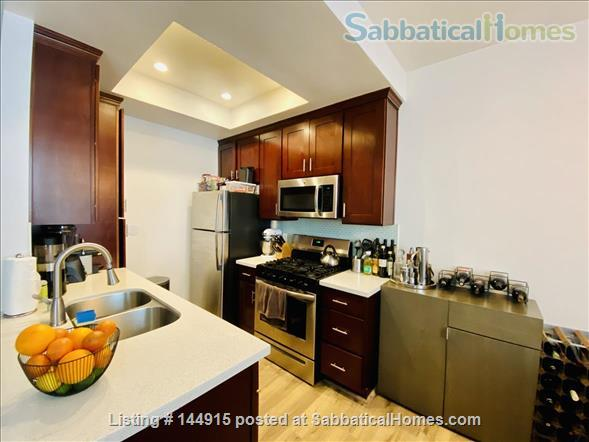 Beverly Hills Adjacent Townhome (2bdrm/2bath) Home Rental in Beverly Hills, California, United States 2