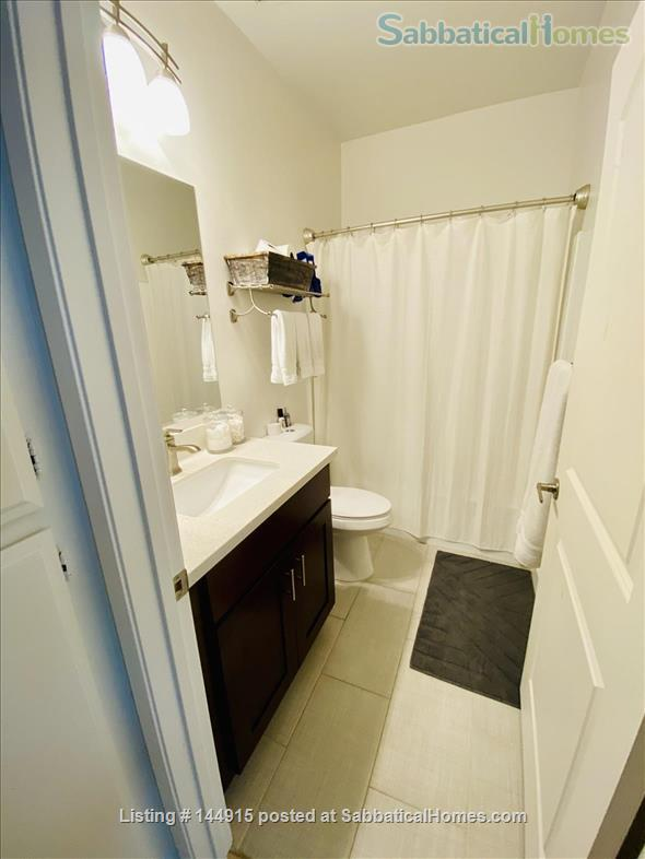 Beverly Hills Adjacent Townhome (2bdrm/2bath) Home Rental in Beverly Hills, California, United States 5