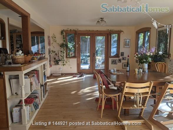 Light-filled, Spacious, Garden-setting Family home with Bay Views Home Rental in El Cerrito, California, United States 6