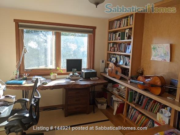 Light-filled, Spacious, Garden-setting Family home with Bay Views Home Rental in El Cerrito, California, United States 7