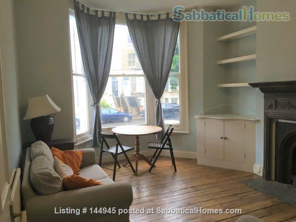 Light and Spacious 3-bed flat  with garden with excellent transport links to Central London Home Rental in Finsbury Park, England, United Kingdom 1