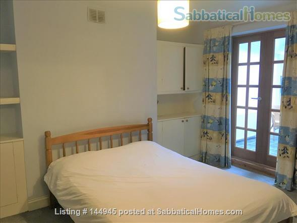 Light and Spacious 3-bed flat  with garden with excellent transport links to Central London Home Rental in Finsbury Park, England, United Kingdom 3