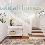 Character Home Home Rental in Vancouver, British Columbia, Canada 2
