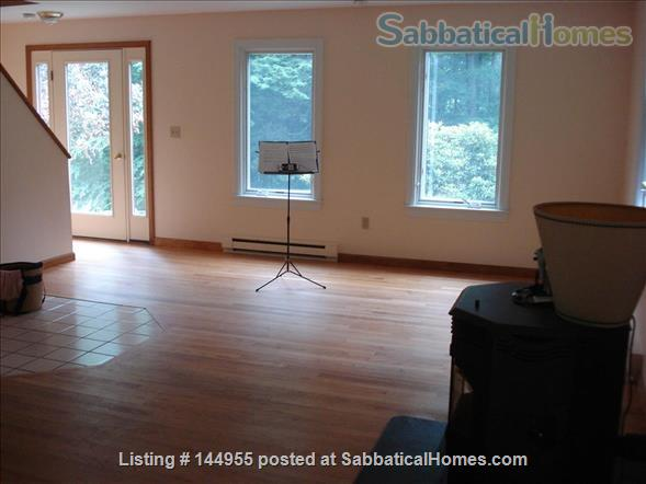 Feels like a retreat but close to 5 colleges Home Exchange in Williamsburg, Massachusetts, United States 6