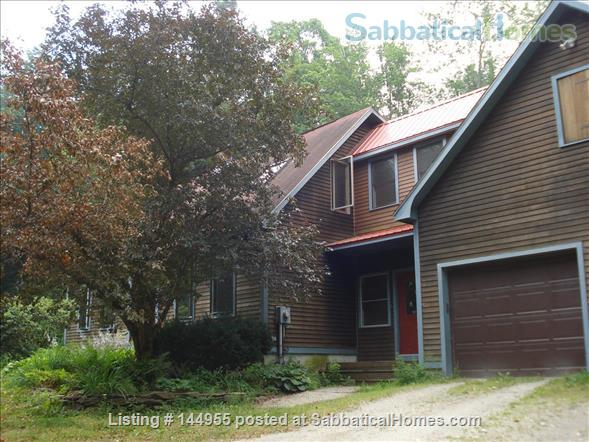 Feels like a retreat but close to 5 colleges Home Exchange in Williamsburg, Massachusetts, United States 7