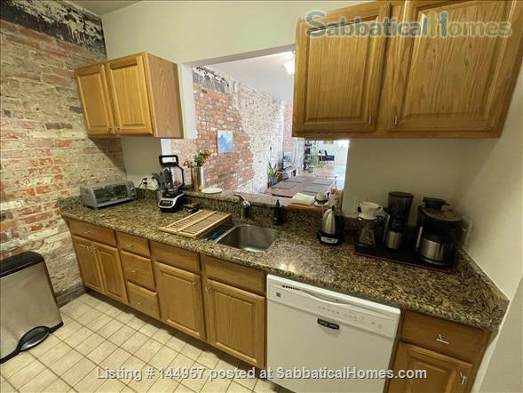 One bedroom airy loft with perfect location in downtown Ann Arbor Home Rental in Ann Arbor, Michigan, United States 3