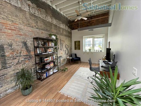 One bedroom airy loft with perfect location in downtown Ann Arbor Home Rental in Ann Arbor, Michigan, United States 5