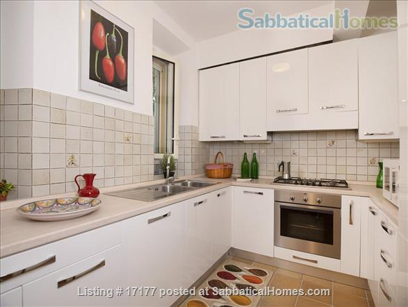 Garden apartment oasis in central Rome (Gianicolo) Home Rental in Rome 4