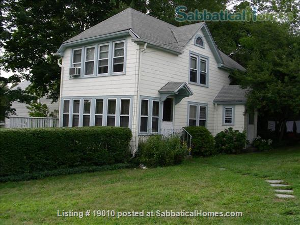 ShoreLine Home in Hotchkiss Grove, Branford, CT Home Rental in Branford, Connecticut, United States 1