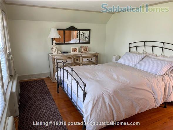 ShoreLine Home in Hotchkiss Grove, Branford, CT Home Rental in Branford, Connecticut, United States 3