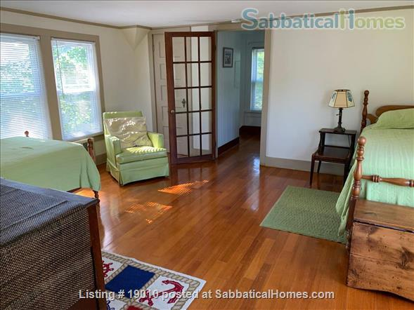 ShoreLine Home in Hotchkiss Grove, Branford, CT Home Rental in Branford, Connecticut, United States 5