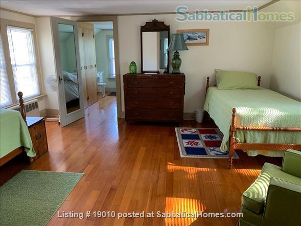 ShoreLine Home in Hotchkiss Grove, Branford, CT Home Rental in Branford, Connecticut, United States 7