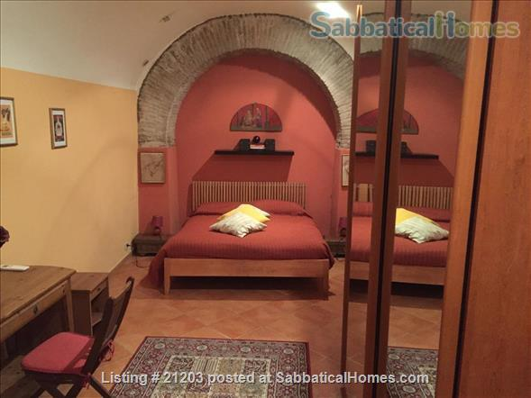 Charming  Apartment in the heart of historic Trastevere Home Rental in Rome, Lazio, Italy 6