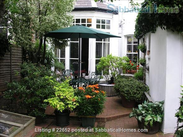 Fabulous rooms in beautiful Edwardian house in Muswell Hill.  (Near underground) Home Rental in Muswell Hill, England, United Kingdom 6