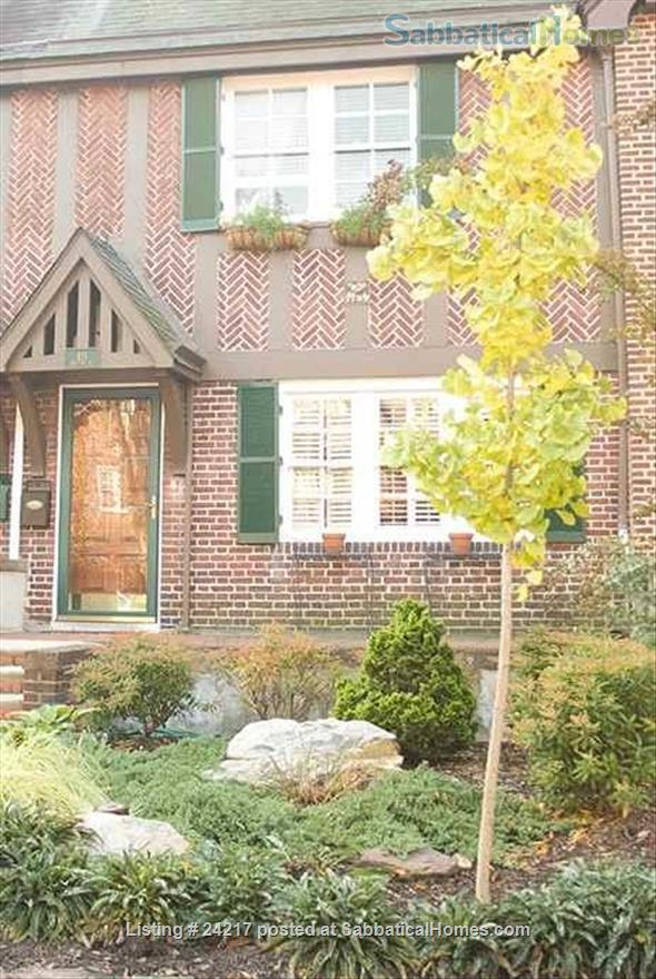 Charming historic townhome, walk to JHU - 4bdrm, CAC Home Rental in Baltimore, Maryland, United States 1