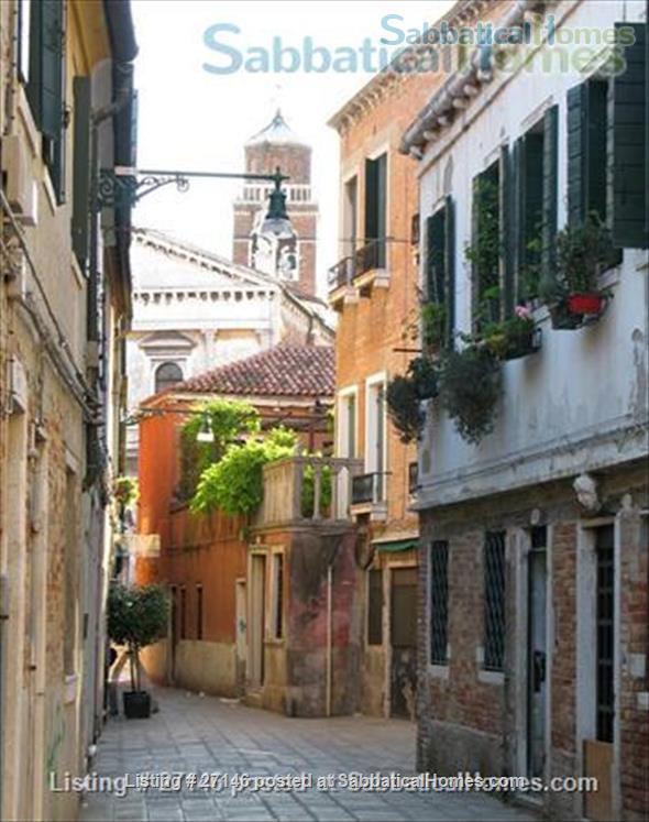 Charming 2 bedrooms house in Venice Home Rental in Venice, Veneto, Italy 1