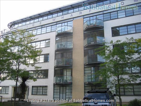 Light-filled flat in central London with canal view, superb transport connections, 24-hour security, all utilities. Walk to Eurostar and British Library. Home Rental in London, England, United Kingdom 0
