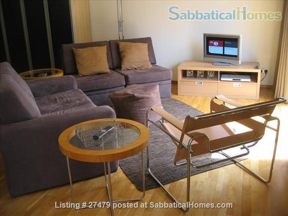 Light-filled flat in central London with canal view, superb transport connections, 24-hour security, all utilities. Walk to Eurostar and British Library. Home Rental in London, England, United Kingdom 2