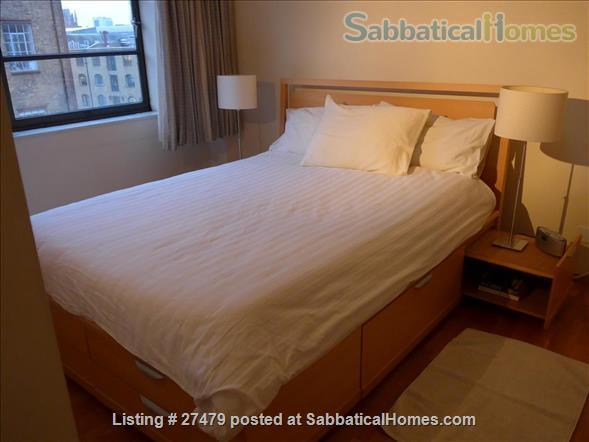 Light-filled flat in central London with canal view, superb transport connections, 24-hour security, all utilities. Walk to Eurostar and British Library. Home Rental in London, England, United Kingdom 4