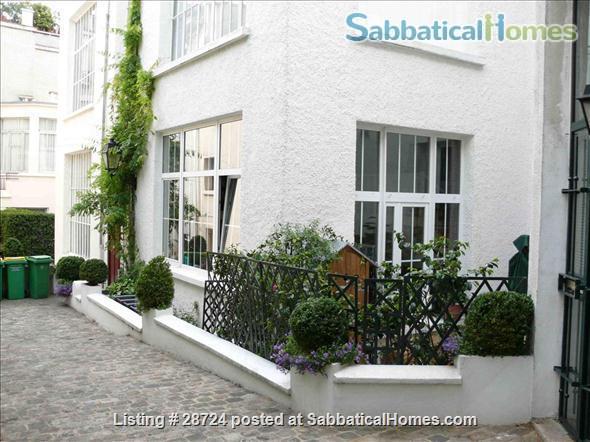 3-bed Montmartre  - Plan 2021-22 Travel.  Flat with private garden & patio. Home Exchange in Paris, Île-de-France, France 1