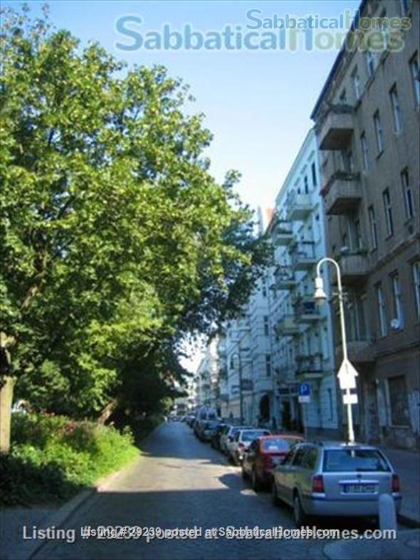 Beautiful bright apartment in trendy area next to quiet park in Berlin/Germany Home Rental in Berlin, Berlin, Germany 8
