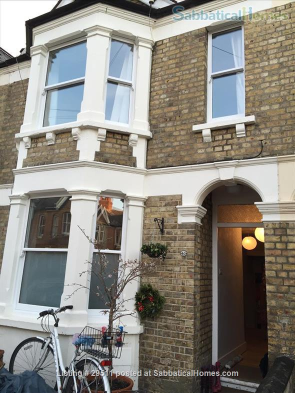 Four bedroom house, summer let -- (depending on COVID) central Oxford Home Rental in Oxfordshire, England, United Kingdom 0