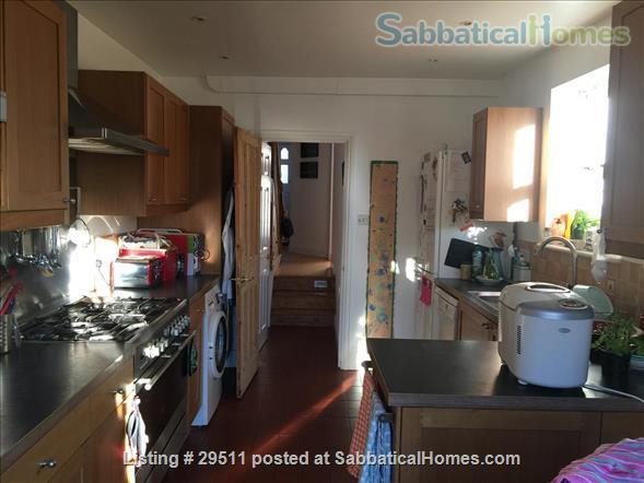 Four bedroom house, summer let -- (depending on COVID) central Oxford Home Rental in Oxfordshire, England, United Kingdom 9