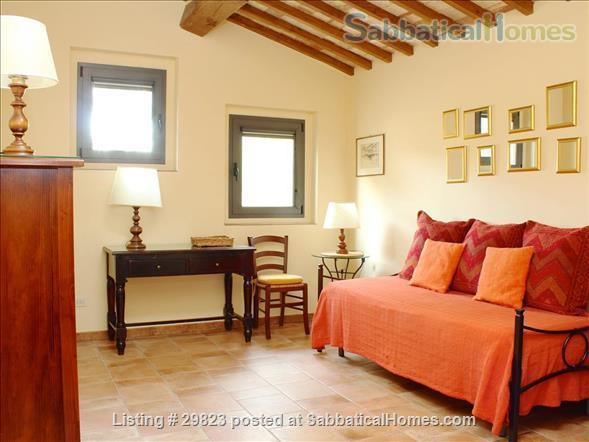 Converted Barn in Tuscany: near Florence/ Siena/ Arezzo (3 BR, 2LR, 1K,2 Bath) + Gardens with views  Home Rental in Bucine, Toscana, Italy 5