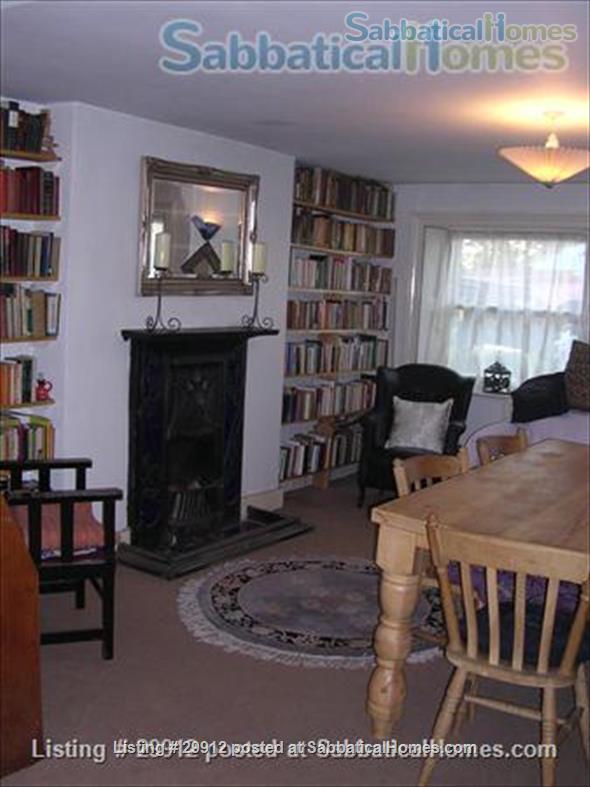 Pretty bijou 1 bed flat Home Rental in London, England, United Kingdom 1
