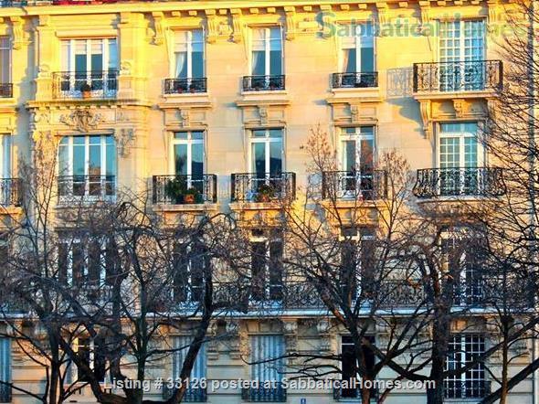 Beautiful Paris apartment at the Seine, overlooking a marina and le Marais Home Rental in Paris, Île-de-France, France 0